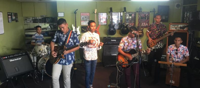 SMK KUNAK JAYA MENCURI PERHATIAN UJIBAKAT SCHOOL OF ROCK #2